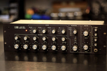 10月08日 – UREI 1620 DJ Mixer – Phono Card