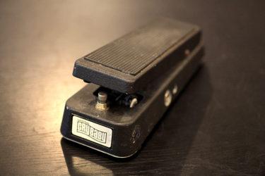 01月15日 – Jim Dunlop GCB-95 Crybaby トゥルーバイパス改造 LEDを増設
