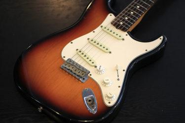 12月28日 – Fender USA American Vintage '62