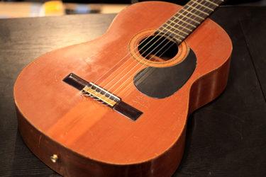04月18日 – ARIA クラシックギター AG50 ペグ交換