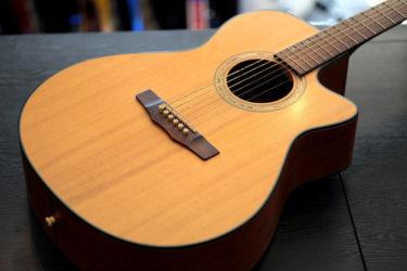 11月20日 – Morris アコースティックギター – ブレーシング剥がれ+ブリッジ浮き