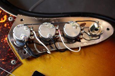 01月10日 – Fender Jazz Bass rewiring