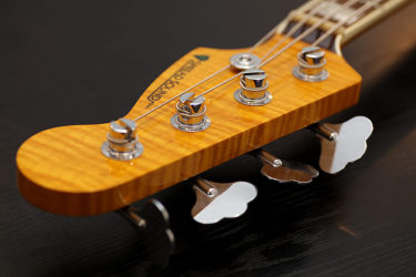 01月30日 – 3A Flame Flame Maple Jazz Bass