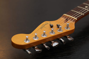 01月28日 – Fender USA Stratcaster – Replacement Pickup-Duncan '59