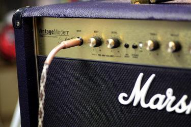 03月23日 – Marshall Vintage Modern 2266C