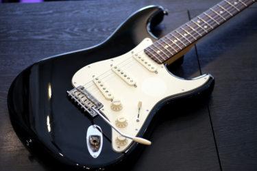 06月13日 – Fender American Standard – ステッカー日焼け跡