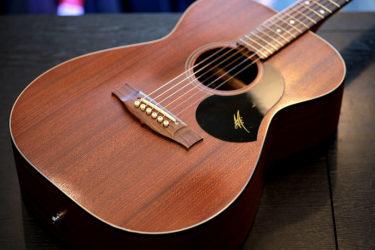 03月31日 – Maton Guitars – プリアンプ修理