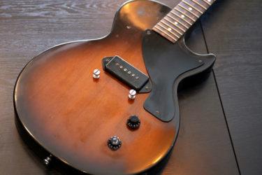01月11日 – Gibson LesPaul Jr – ペグ交換