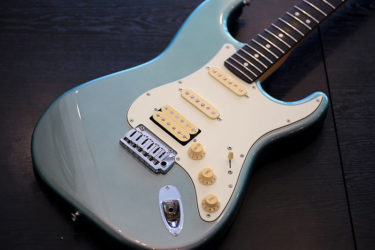 10月24日 – Fender American Deluxe ST -ナット交換